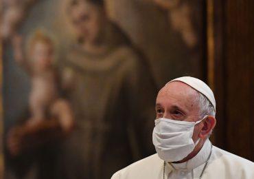 El Papa Francisco recibe la segunda dosis de la vacuna contra el covid-19