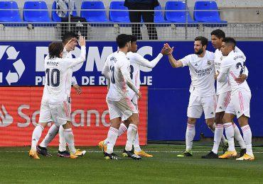 Real Madrid remonta en Huesca y se coloca segundo provisional