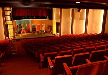 Teatros abrirán con 50% de su capacidad
