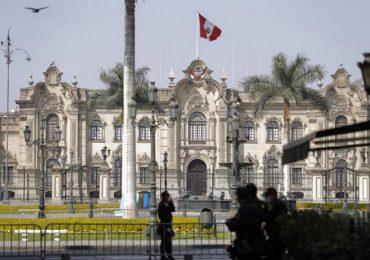 Comienza en Perú campaña electoral entre cuarentena, recesión y apatía