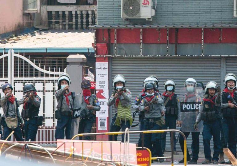 Violenta represión de protestas en Birmania deja al menos ocho muertos