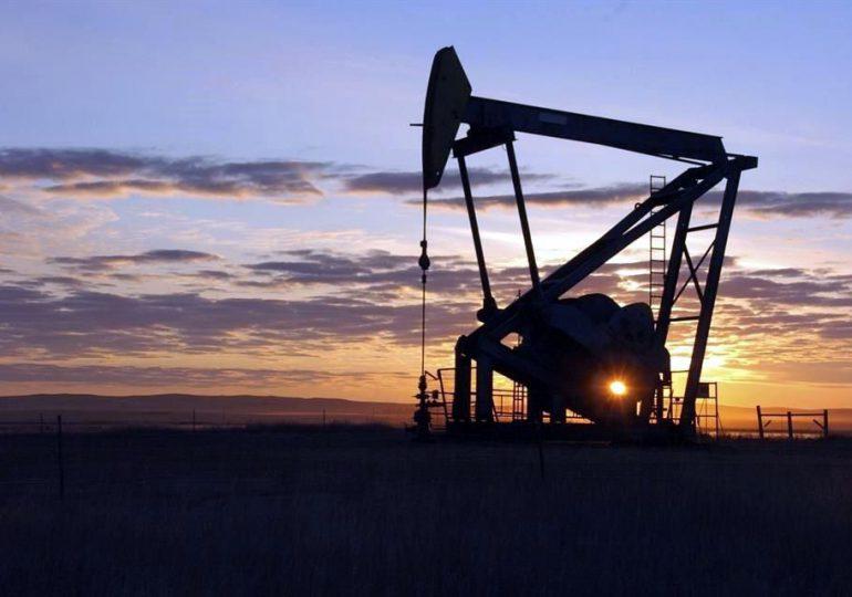 El reequilibrio del mercado petrolero sigue siendo frágil, según la AIE