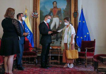 Venezuela da 72 horas a la embajadora de la UE para dejar el país