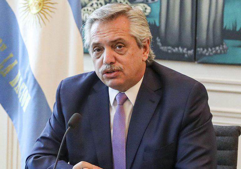 Escándalo por vacunas en Argentina: presidente pide la renuncia del ministro de salud