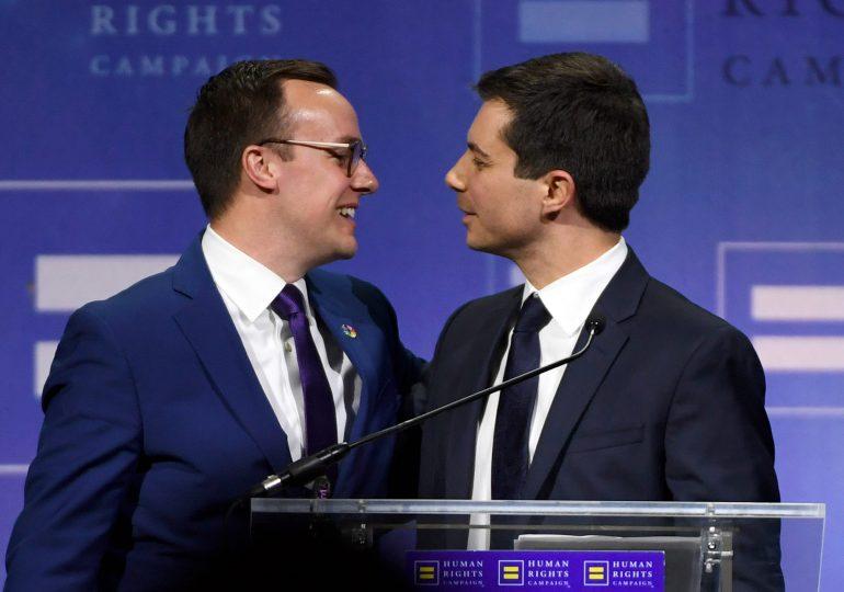 Buttigieg es el primer miembro abiertamente gay de un gabinete de EEUU