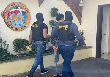 VIDEO | DNCD detiene a hombre acusado de narcotráfico que intentaba huir a Alemania