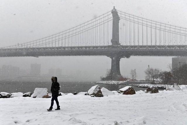 Letal tormenta cubre de nieve el noreste de EEUU