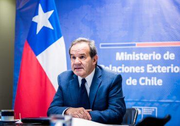 Chile no vacunará contra coronavirus a extranjeros no residentes