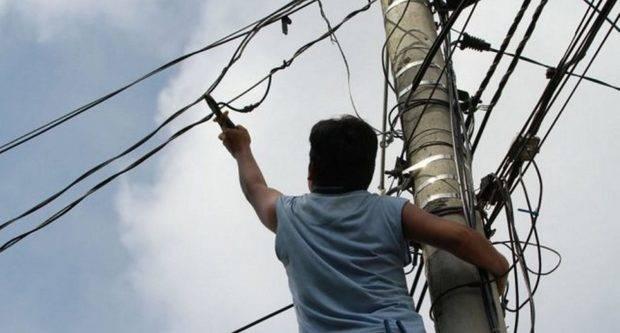 Logran condena de más de RD$300 mil por fraude eléctrico