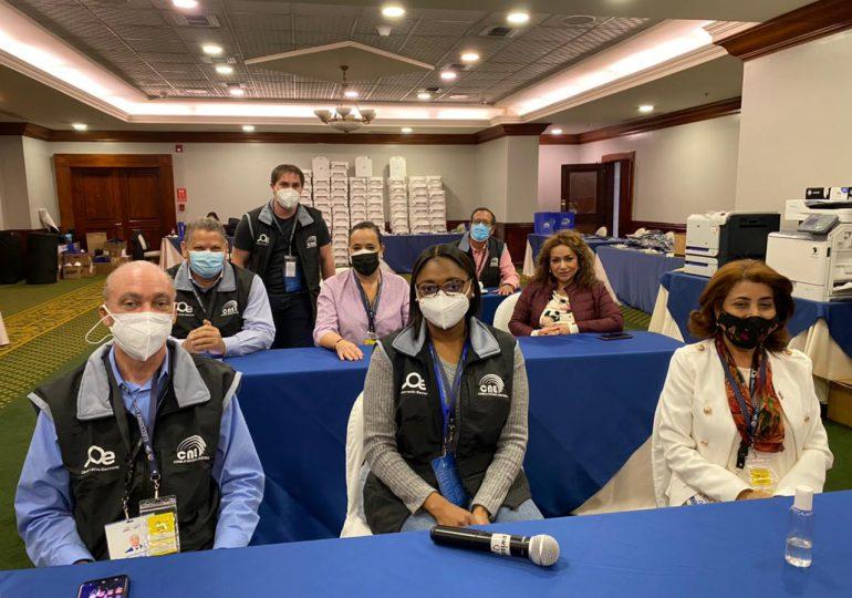 Jueces del TSE concluyen misión observadora en elecciones de Ecuador