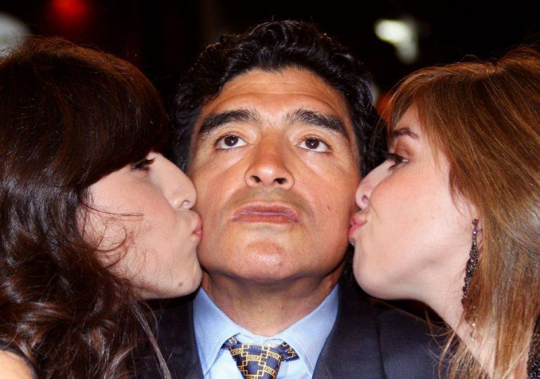 Hijas de Maradona amplían declaración ante fiscalía