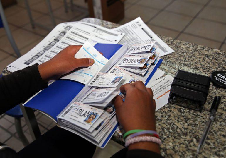 Ecuador recontará los votos de elección presidencial