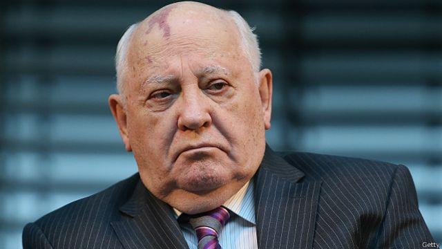 Gorbachov pide a Putin y Biden que se reúnan para tratar el tema del desarme