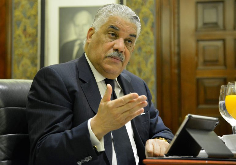 Miguel Vargas pide al presidente priorizar atención en salud, alimentos y creación de empleos