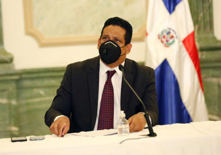 Director de Contrataciones Públicas responde a declaraciones del senador Iván Lorenzo
