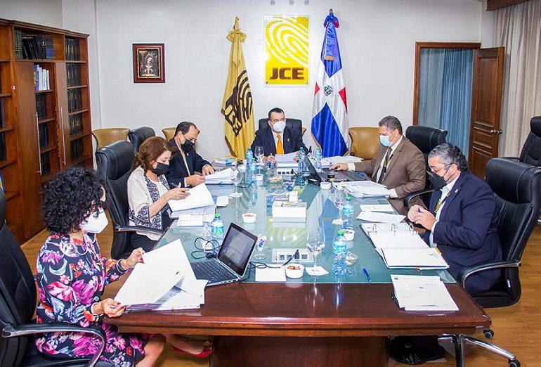 JCE extiende suspensión a funcionarios del Voto Dominicano en el exterior de EEUU