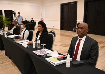 Nuevos jueces del Tribunal Constitucional reciben taller de inducción