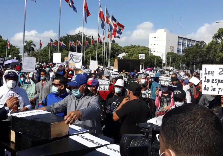 VIDEO | Empresarios fronterizos denuncian que Ley 28-01 es bloqueada por intereses de industriales capitalinos