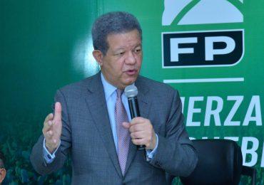 Leonel Fernández confía en la vacuna contra el covid-19 y recomienda aplicársela