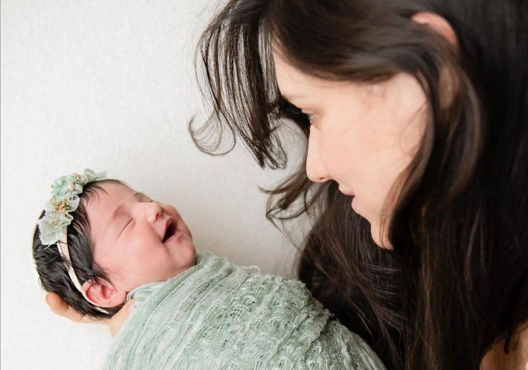 """Amelia Vega muestra por primera vez el rostro de su hija """"Nova"""""""