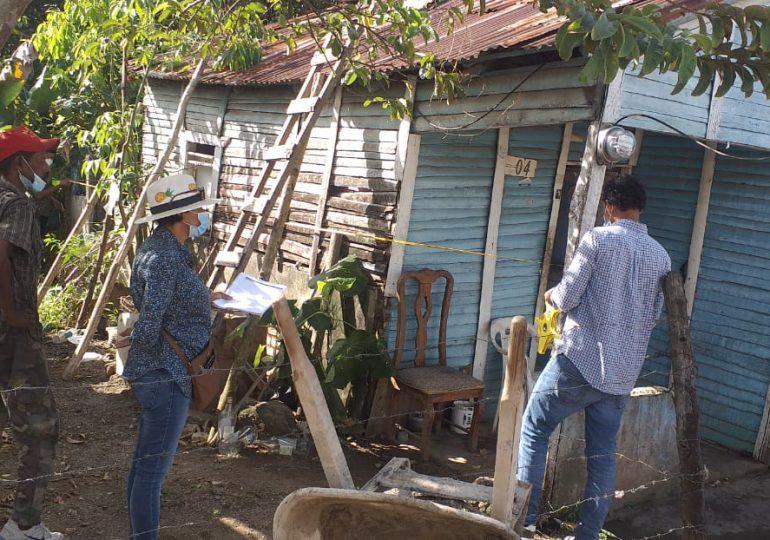 Arreglarán casa de señor que vive en condiciones inhumanas en Bayaguana