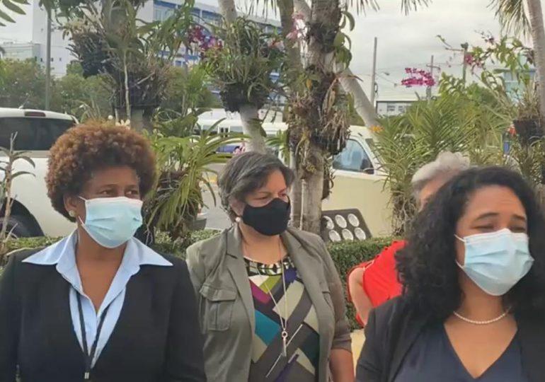 Feministas solicitan al presidente de la Cámara de Diputados incluir tres causales en Código Penal