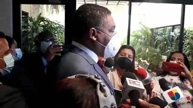 VIDEO | Carlos Pimentel deja plantado por segunda ocasión a la Comisión de Ética del Senado