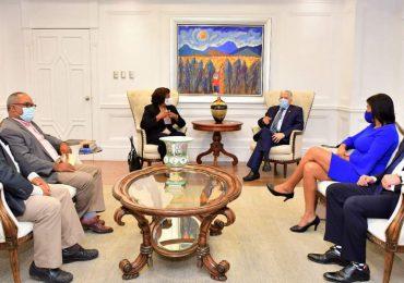Presidente del Senado recibe comisión del Colegio Dominicano de Periodista