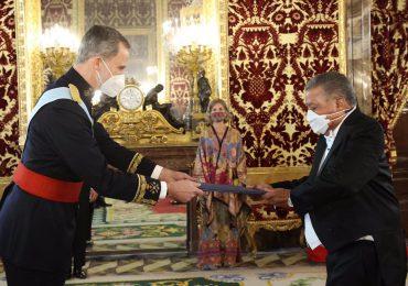 Embajador Juan Bolívar Díaz  entrega Cartas Credenciales al Rey de España