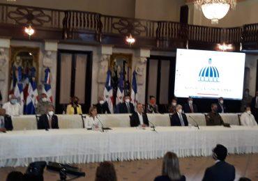 Diferentes personalidades asisten a la presentación del Plan Nacional de Vacunación