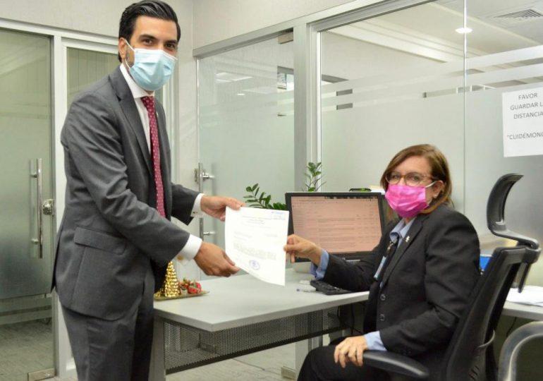Someten proyecto de ley para declarar festivos y no laborables los días de Mella y Sánchez