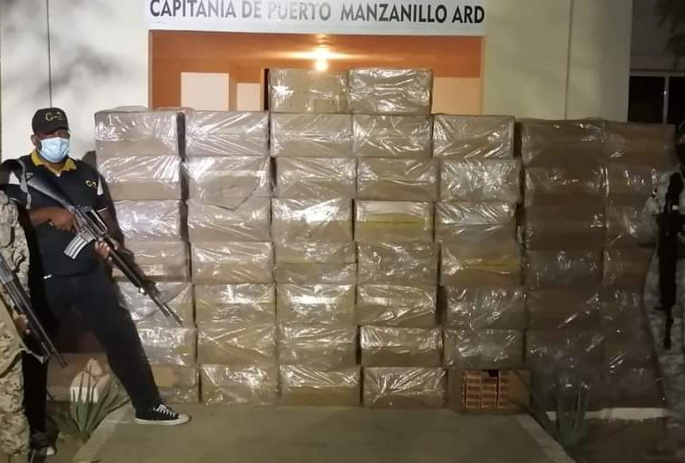 Capitanía de Puerto de Manzanillo incauta 510,000 cigarrillos de contrabando