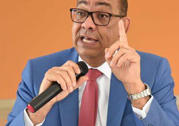 MOPC anuncia la decisión de liberalizar el mercado del asfalto
