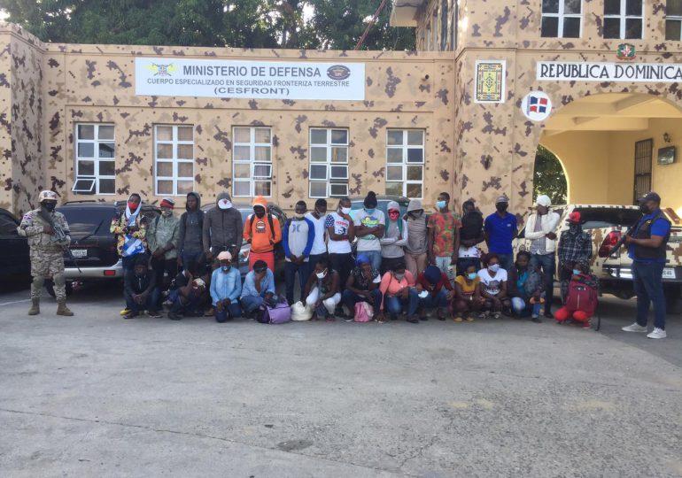 VIDEO | Cesfront ha detenido a más de 3,000 indocumentados haitianos entre enero y febrero