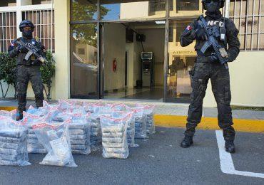 VIDEO | Incautan 103 paquetes de presunta cocaína en Isla Beata, Pedernales