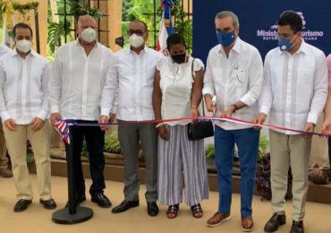 Video | Presidente Luis Abinader inaugura obra en el Limón, Samaná