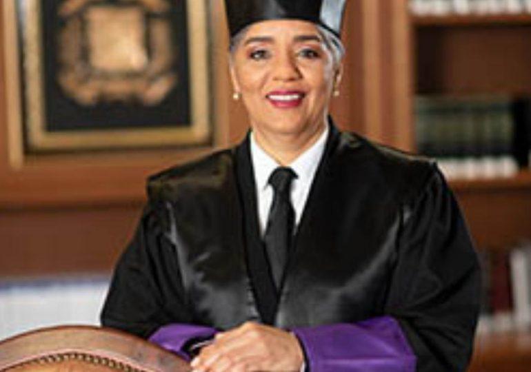 Operación Caracol | ¿Quién es la jueza que autorizó allanamiento en la Cámara de Cuentas?