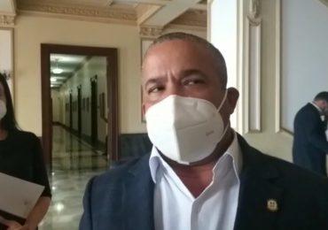 Video | Héctor Acosta presenta al presidente necesidades de su provincia