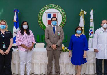 La UNPHU capacita a estudiantes de medicina para aplicar vacunas contra el Covid-19