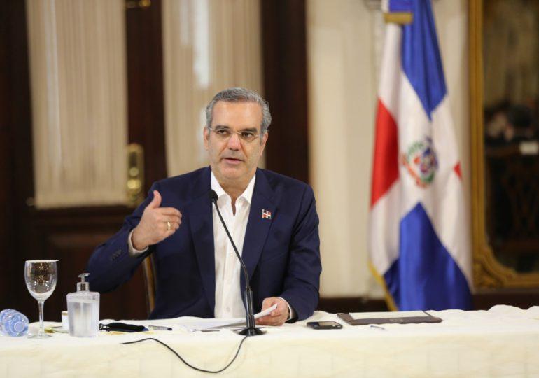 VIDEO | Presidente Abinader recibe a más de 100 presidentes de juntas de vecinos en Palacio Nacional