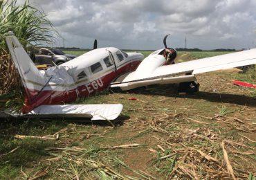 Investigan el aterrizaje forzoso de avioneta que dejan abandonada en la Altagracia