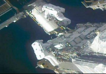 Astronautas preparan la Estación Espacial Internacional para nuevas placas solares