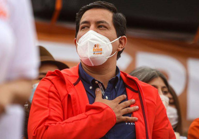 "Arauz se adjudica ""triunfo contundente"" en comicios en Ecuador"