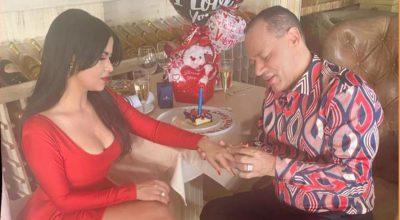 VIDEO | Franklin Mirabal entrega anillo de compromiso a su nuevo amor
