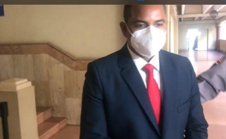 Seis meses de prisión domiciliaria contra exfuncionario de Aduanas, acusado de acoso y violación sexual