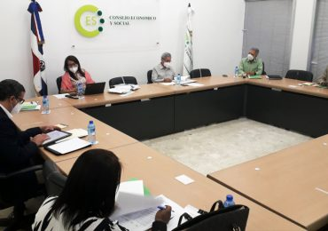Sectores denuncian desconocen acuerdo del Pacto Eléctrico y solicitan suspensión de firma