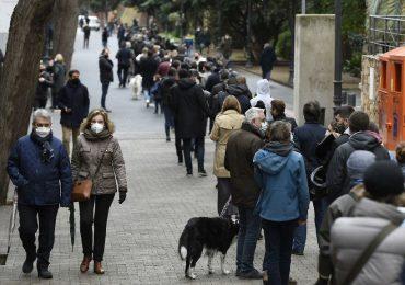 En plena pandemia, Cataluña celebra elecciones regionales