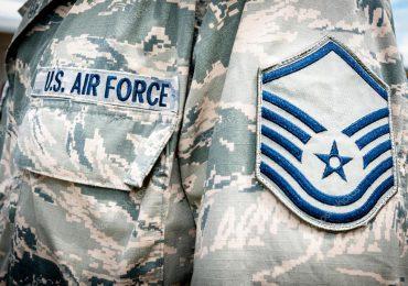 Ingreso de intruso a base militar plantea problemas de seguridad de fuerza aérea de EEUU