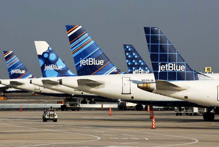 JetBlue prohíbe equipaje de mano en tarifas económicas