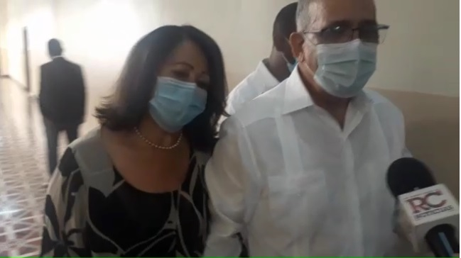 VIDEO | Leonardo Faña acude acompañado de su esposa e hija a interrogatorio